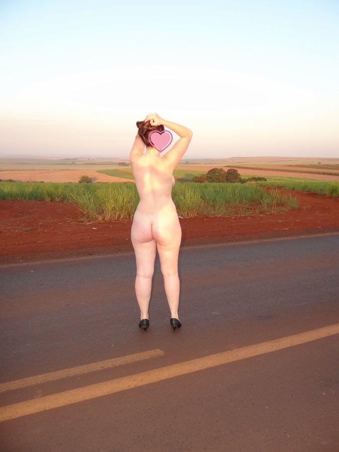 esposa-pelada-estrada-15