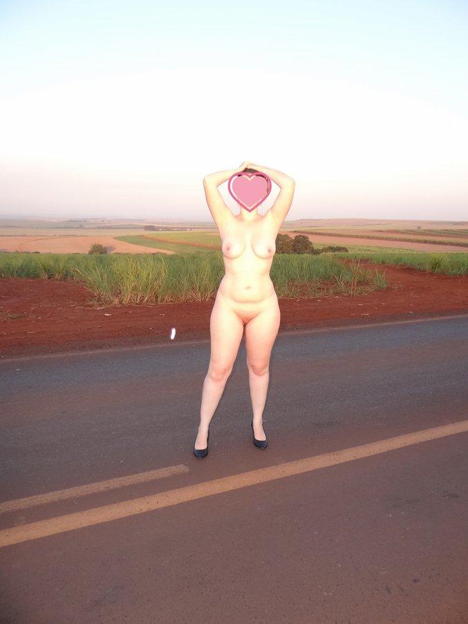 esposa-pelada-estrada-16