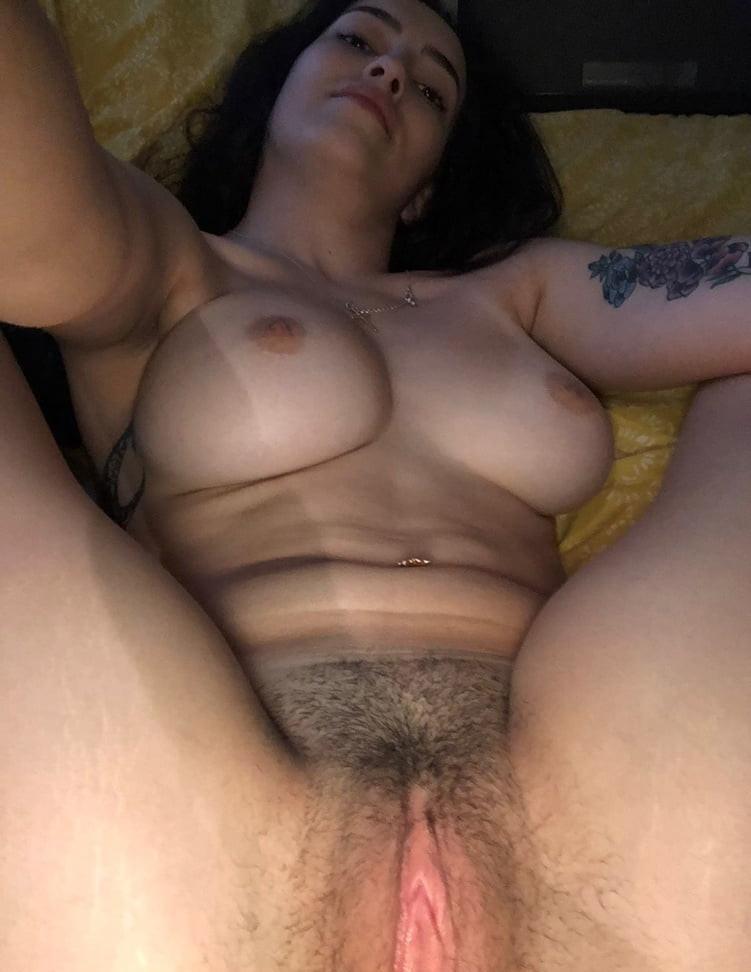 falsa-magra-buceta-peluda-pelada-15