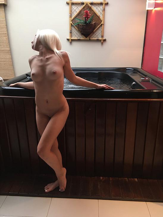 loira-sexy-safada-nudes-04