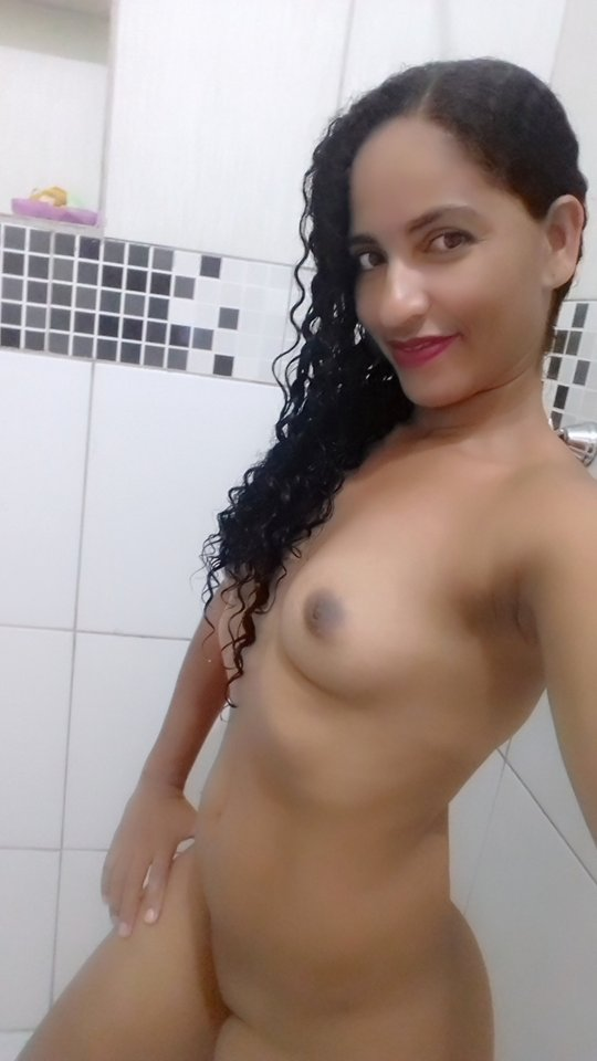 pretinha-delicia-pelada-8